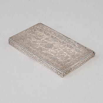 A  persien (Iran) silver cigarette case   Pahlavi dynasty, 1900-talets första hälft. Weight around 157 gram.