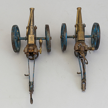 A pair of märklin canons, germany early 1900's