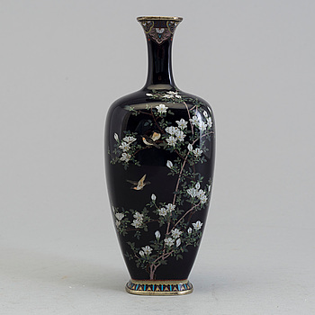 VAS, emalj. Japan, tidigt 1900-tal.