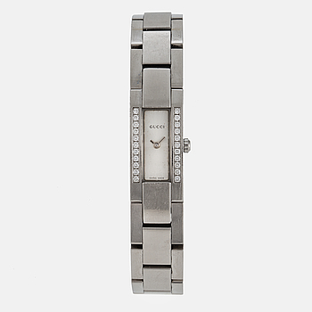 GUCCI, armbandsur, 27 x 13 mm.