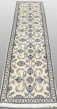 GALLERIMATTA, Nain, ca 290 x 75 cm.