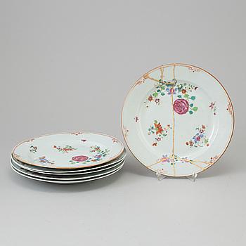 TALLRIKAR, sex stycken, porslin. Kina, Qingdynastin, Qianlong (1736-95).