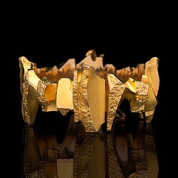 "A BJÖRN WECKSTRÖM BRACELET, ""Karhunhammas"", 14K gold. Lapponia 1976."