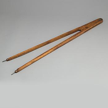 CIRKELMÅTT, trä, 1700-tal.