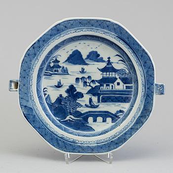 VÄRMEFAT, porslin, Kina, 1700-/1800-tal.