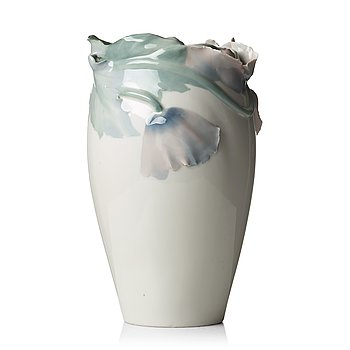 39. Algot Erikson, an Art Nouveau porcelain vase, Rörstrand, Sweden ca 1900.