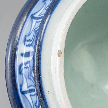 Gunnar wennerberg, & peder mÖller, a creamware lidded jar, gustafsberg, sweden 1896.