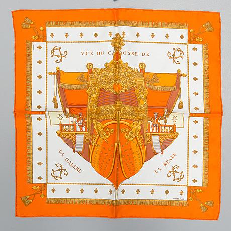 """Scarves, 2 st, """"vue du carosse de la galère la réale"""" samt """"tigre royal"""", hermès."""