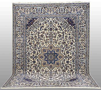 MATTA, Nain part silk, ca 347 x 245 cm.