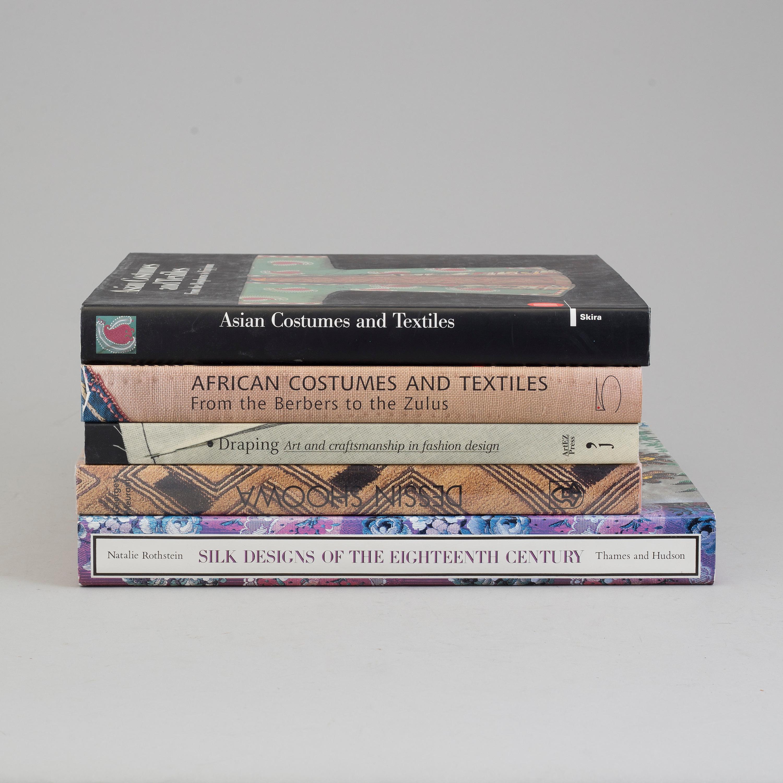 Textile Litterature 5 Volumes Bukowskis