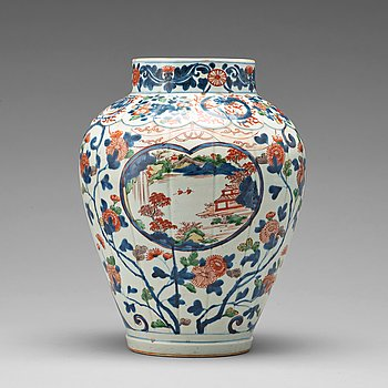 A blue and white Japanese jar, Edo period, 17th Century.