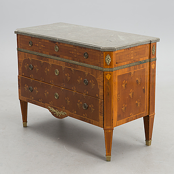 A Gustavian styled early 20th Century chest of drawers, Sweden.