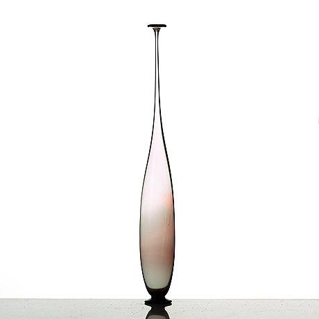 Nils landberg, a vase, orrefors 1960.