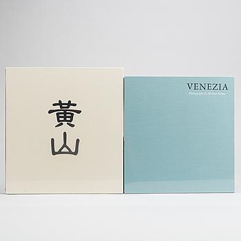 MICHAEL KENNA , 2 st böcker, Huangshan samt Venezia,  Nazraeli Press, 2000-tal.