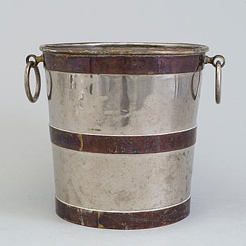 CHAMPAGNEKYLARE, försilvrad metall, 1900-talets första hälft.