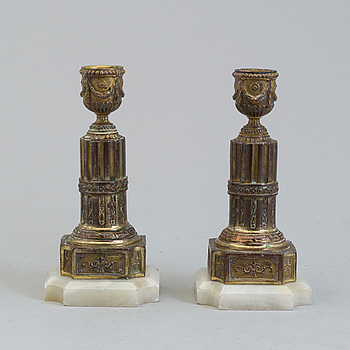 A PAIR OF BRASS AND ALABASTER GUSTAVIAN STYLE CANDLESTICKS, 19th century.