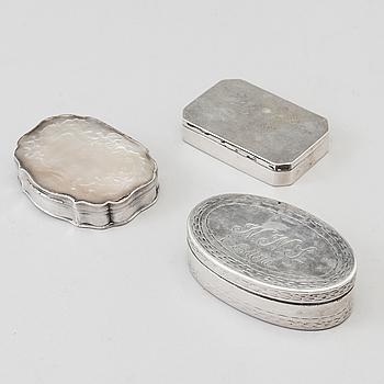 DOSOR, tre stycken, silver, bland annat en av Jacob Fredric Granander, Lidköping tidigt 1800-tal.