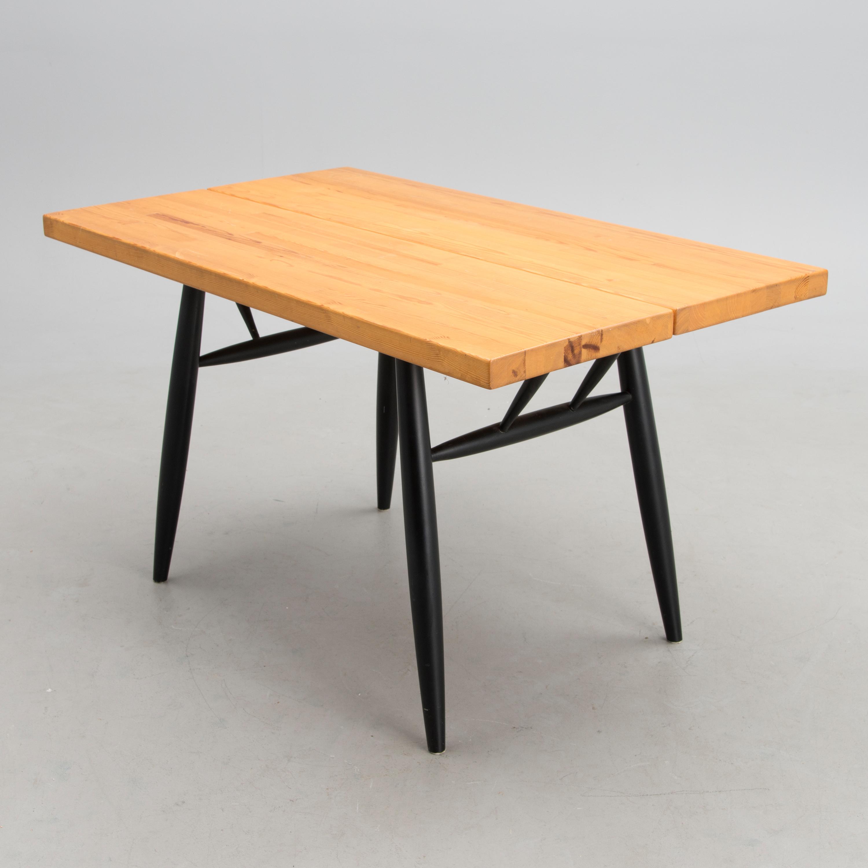 Tapiovaara Pöytä