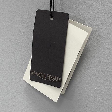 a2980de1393 A scarf by Marina Rinaldi. - Bukowskis