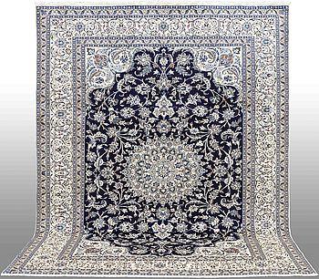 MATTA, Nain, part silk, ca 335 x 245 cm.