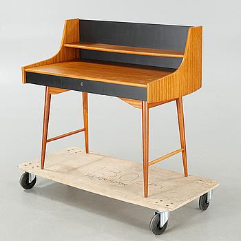 """JOHN TEXMON, skrivbord, """"Ola-pulten"""",  Blindheim Møbelfabrikk, i produktion från ca 1957."""