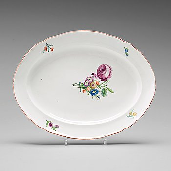 An oval serving dish, Imperial porcelain manufactory, St Petersburg, second half of 18th Century.