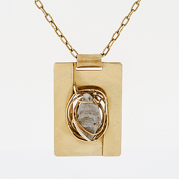 ANNA GRETA EKER, a necklace.