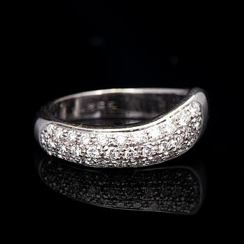 "RING, Chaumet, ""Hommage à Venise"" , briljantslipade diamanter, 18K vitguld."