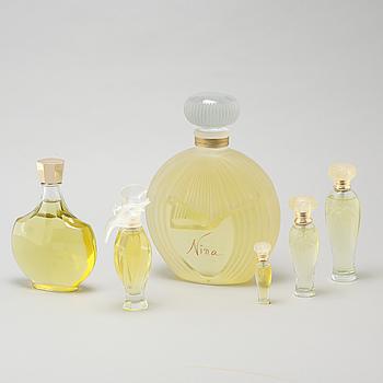 NINA RICCI, factices, six perfumebottles.