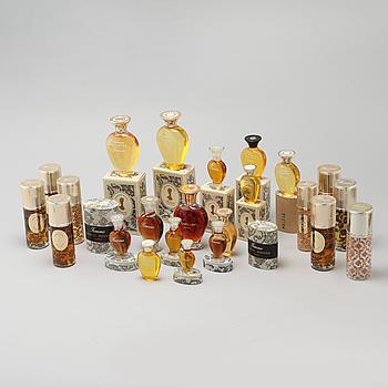 """MARCEL ROCHAS, """"Femme"""", så kallade faktiser, 23 st, parfymflaskor."""