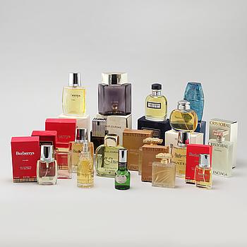 FAKTISER, så kallade, 17 st, parfymflaskor.
