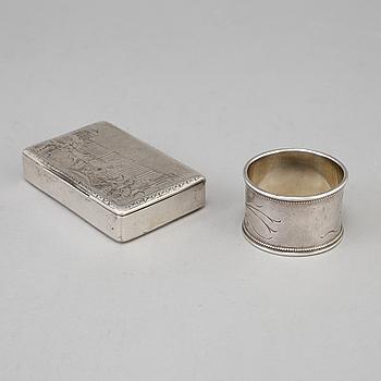 DOSA & SERVETTRING, Ryssland, 1800-tal. Tot vikt 146 gram.