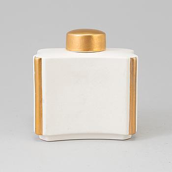 "WILHELM KÅGE, A ""Guldcarrara"" Wilhelm Kåge  tea box with lid from Gustavsberg."