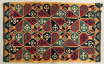 ÅKDYNA (agedyna) rölakan Frost härad 1800-talets mitt/andra hälft ca 92 x 56 cm.