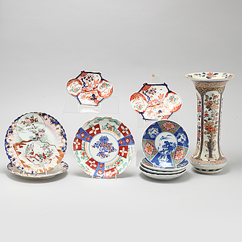 10 pieces of porcelain items from Japan, 20th century.