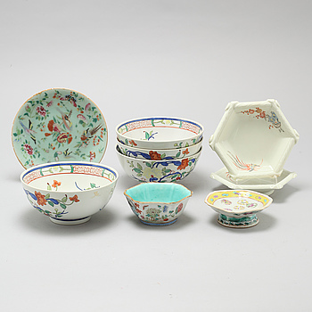 Nine porcelain items from China, made around year 1900 and 20th century.