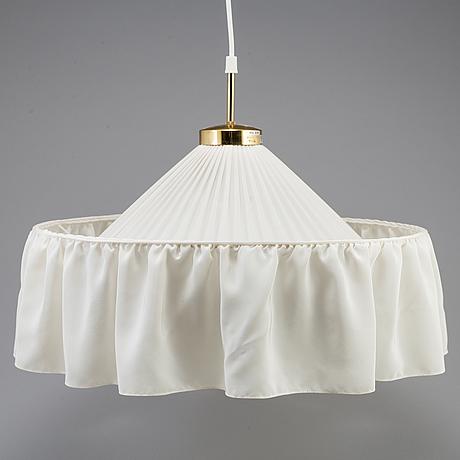 Josef frank, taklampa, modell 2560, firma svenskt tenn.