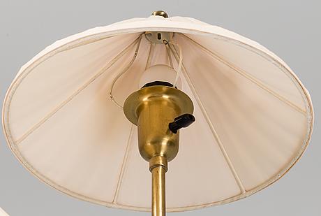 "Josef frank, golvlampa, ""kinalampan"", nr 2599, firma svenskt tenn, 1900-tal."
