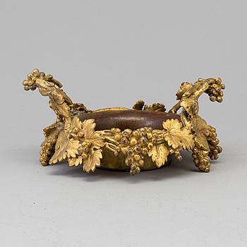 COASTER, brons och mässing, 1800-tal.