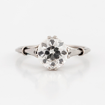 RING, with old-cut diamond.