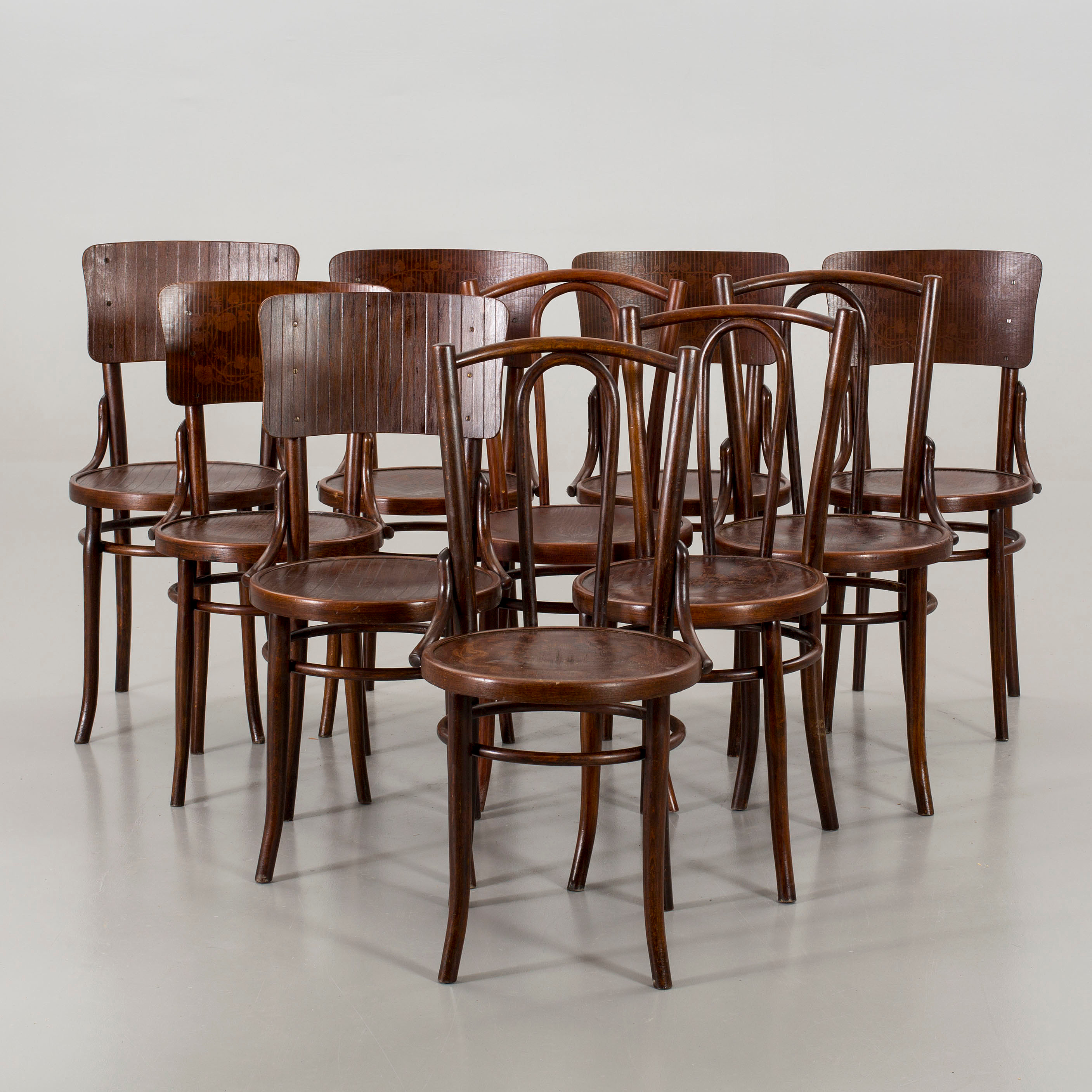 & Ten chairs Thonet-Mundus. - Bukowskis