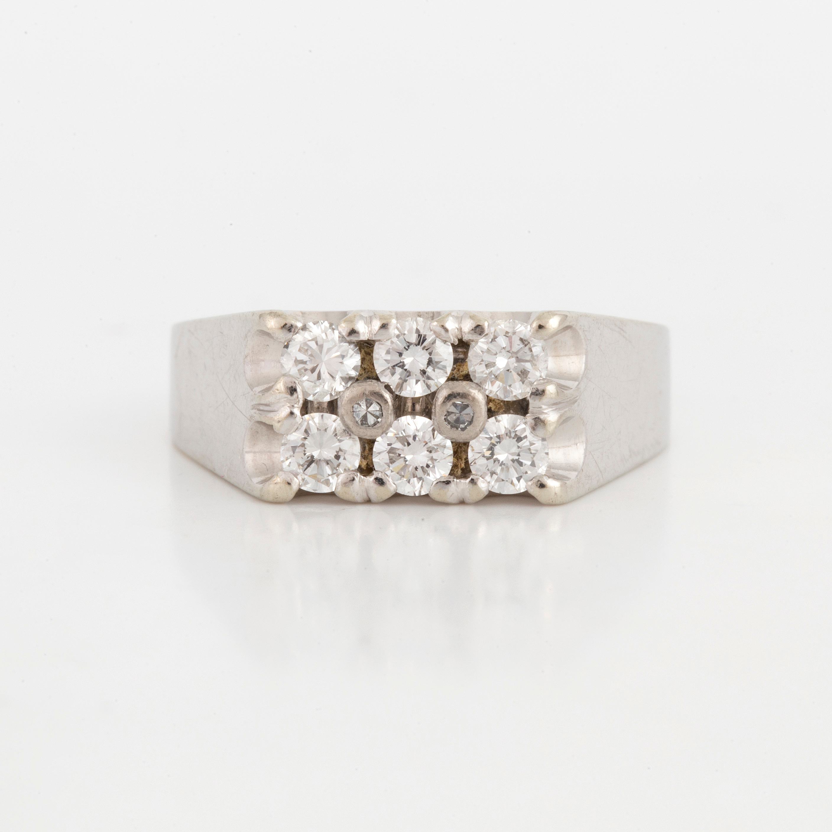 RING, with diamonds  - Bukowskis