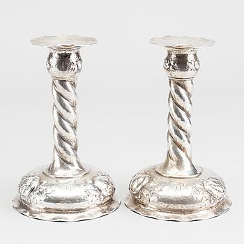 LJUSSTAKAR, ett par, silver, barockstil, CG Hallberg, 1940-tal. Ca 400 gram.