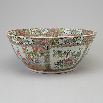 BÅLSKÅL, porslin. Kina, Kanton, sent 1800-tal.