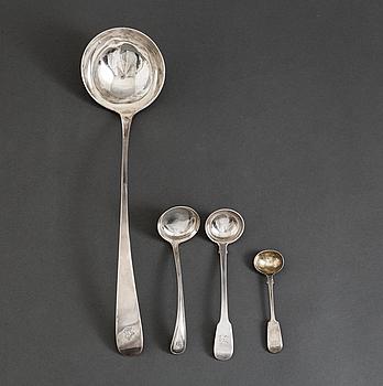BÅLSKED samt SÅSSLEVAR, 3 st, silver, bl.a. London och Edinburgh, Storbritannien, 1800/1900-tal.