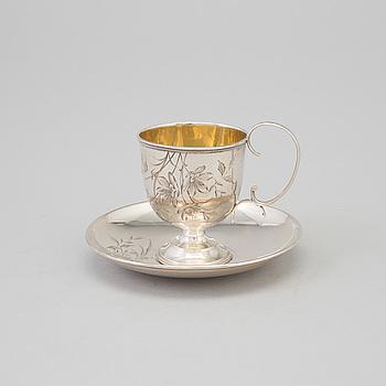 KAFFEKOPP MED FAT, silver, Mästarstämpel AK, Moskva, Ryssland, 1899-1908.