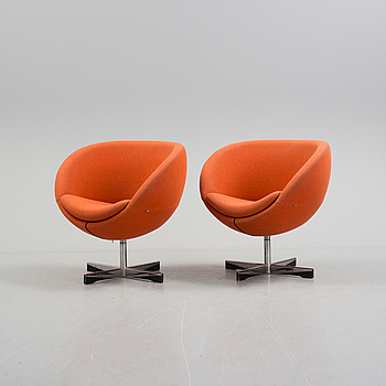 "A pair of revolving ""Planet"" armchairs, design Sven Ivar Dysthe for Fora Form, Norway, model in production from 1963/64."