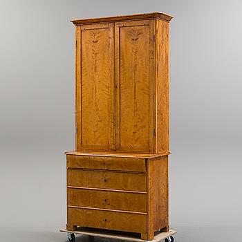 BOKSKÅP, 1800-talets mitt.