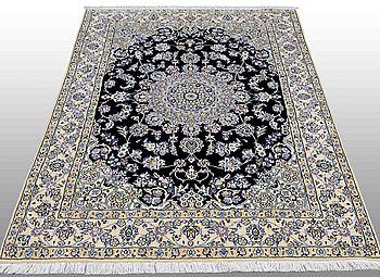 MATTA, Nain, part silk, ca 200 x 150 cm.