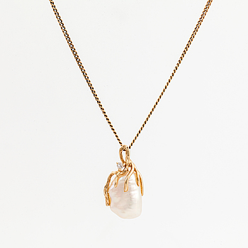 PENDANT with CHAIN, with baroque pearl and diamond.